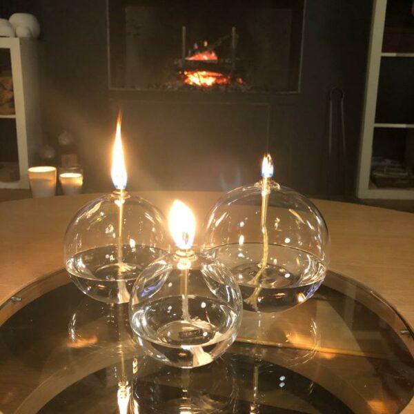 lampe à huile ronde en verre et embout laiton de chez périglass