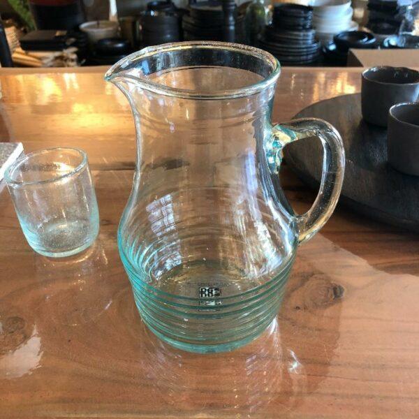 carafe en verre recyclé fabriqué main de chez Be home