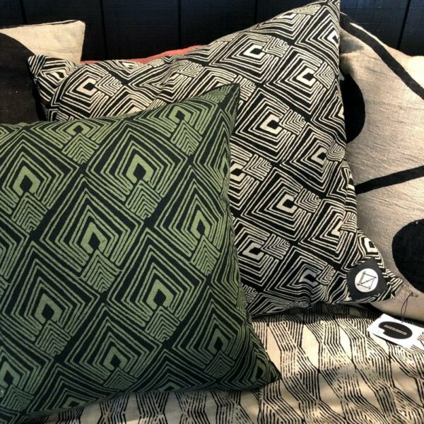 HOUSSE DE COUSSIN KAKI 50X50 IMPRIME style WABI SABI