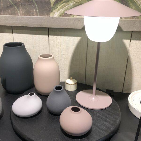 LAMPE SANS FIL ROSE NUDE BLOMUS INCOURTOUNABLE DESIGN