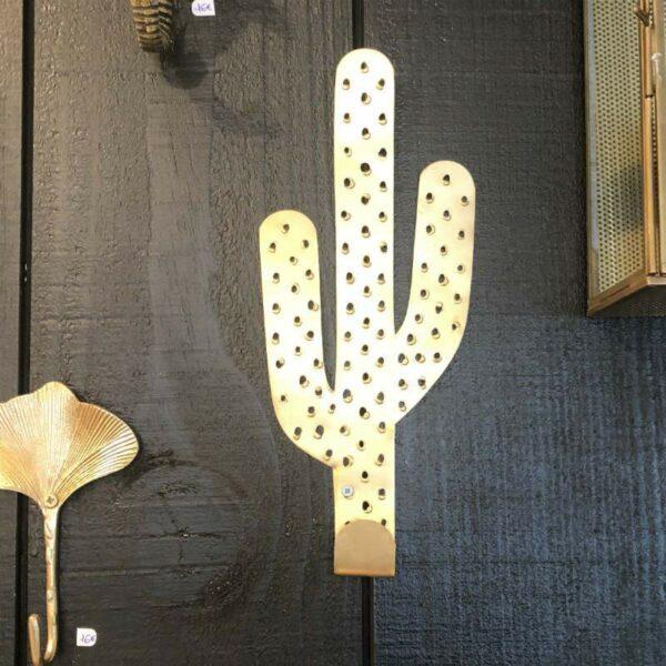 crochet patere en forme de cactus de chez Madam Stoltz