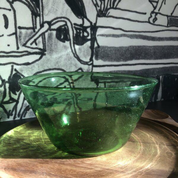 saladier en verre soufflé vert artisanat egyptien