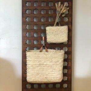 jolis panier en feuille de palmier avec anses en cuir naturel pour suspendre  multifonctions