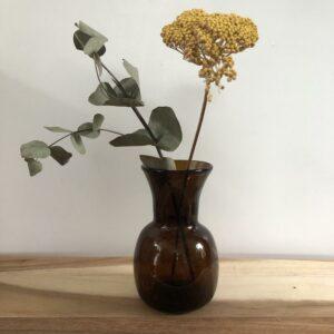 Vase en verre soufflé marron, decoration chic boheme