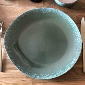 assiette verte en céramique seventies de HKliving
