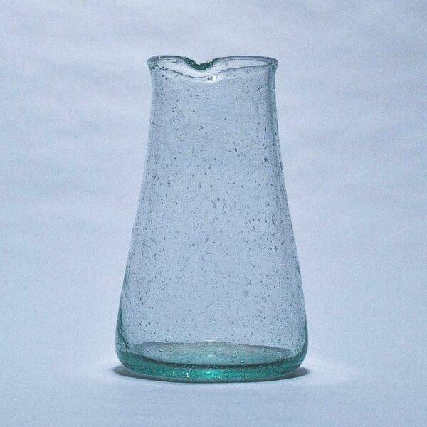 jolie carafe en verre soufflé transparent épuré et chic