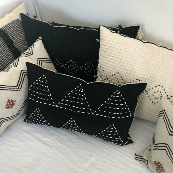 coussin 50x30 en coton motif tribaux berberes, déco ethnique chic