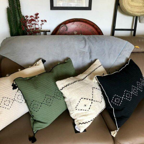 Coussins en coton gaufré pompons style ethnique tendance
