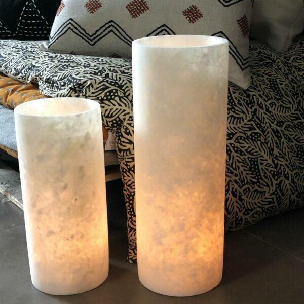 Photophores cylindriques en albâtre chez Maison Majuha