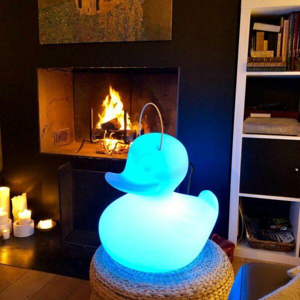 Lampe Canard Duck Duck allumée bleu
