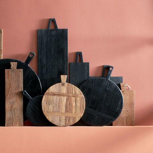 Planche aperitif à decouper ronde et noir en bois style scandinave de chez HK Living