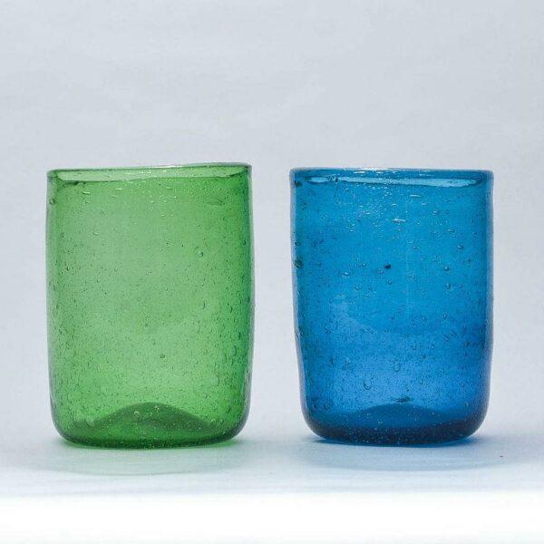 verre à eau soufflé vert et bleu tendance ethnique