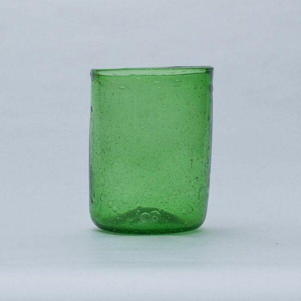 gobelet en verre soufflé vert egyptien déco ethnique