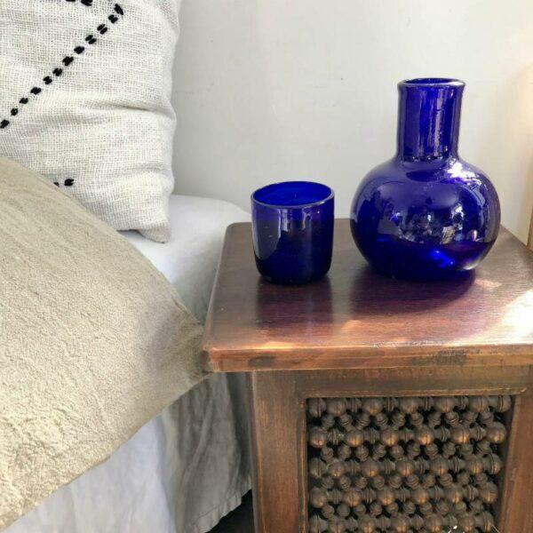 Carafe d'invité en verre soufflé bleu d'Egypte