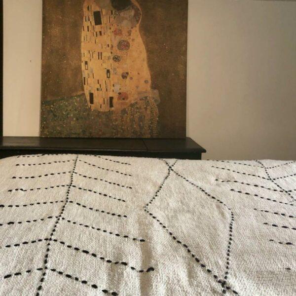 Plaid 240X130 ecru bordé noir style berbere lin raffiné