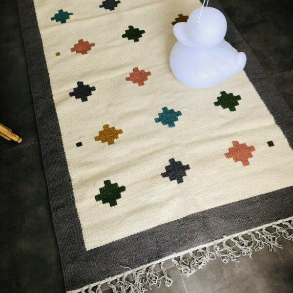 tapis kilim egyptien pour chambre d'enfant