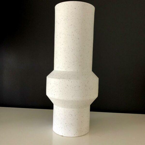 Vase en argile blanc de grande taille de Hk Living