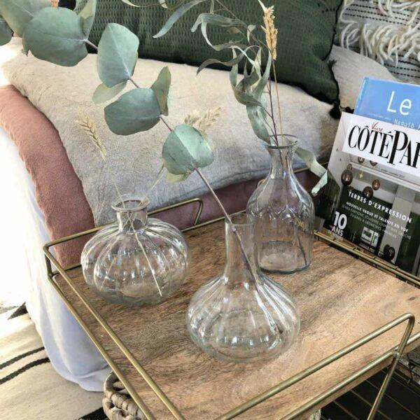 trois petits vases soliflores chic et bohème